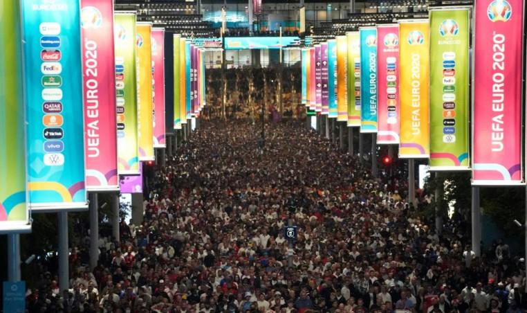 Wembley crowd