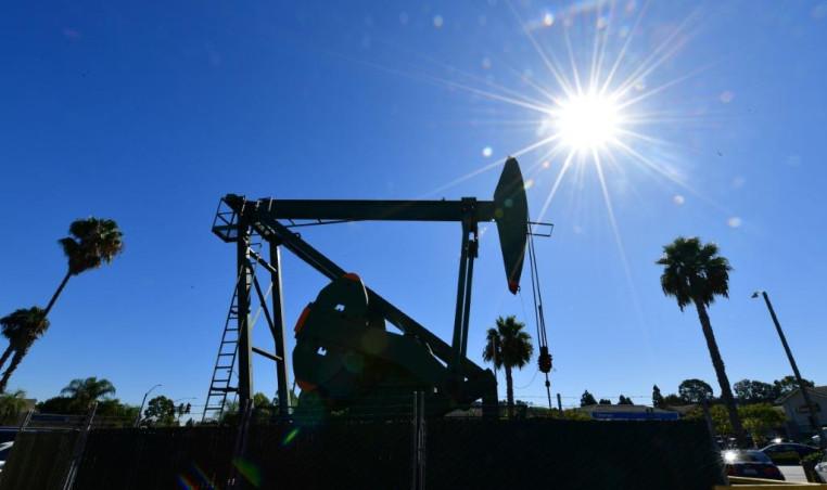 Crude Oil rig