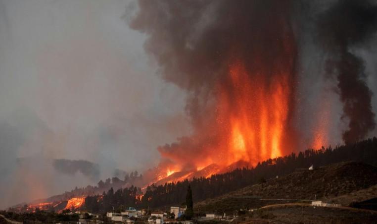 Canary Islands volcano eruption