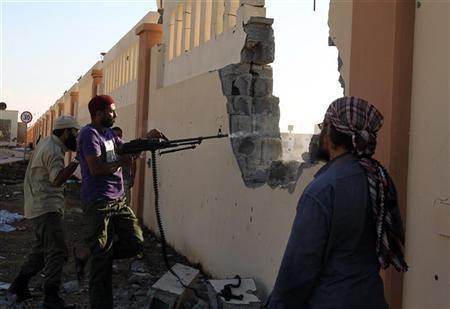 Anti-Gaddafi fighters return fire in Sirte