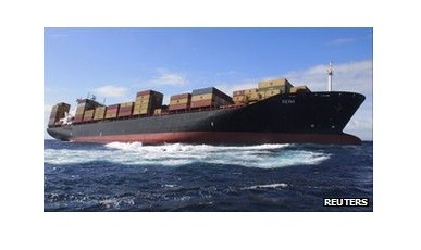The ship could spill over 1,700 tonnes of oil onto the New Zealand reef