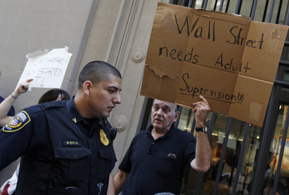Occupy Wall Street Eviction: Initial Victory Calm Before Storm, Reports Indicate Riot Police Called