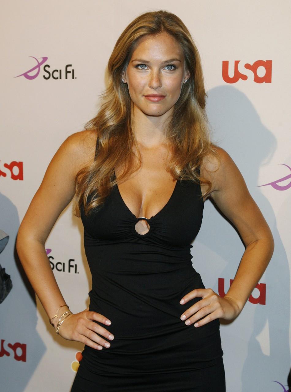 Hottest Woman 11 12 16 Maiara Walsh Notorious: Maxim 2012 100 Hottest Women: Supermodel Bar Refaeli Beats