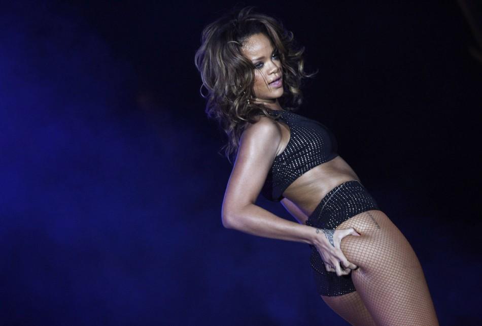 Rihanna in Brasilia (2011)