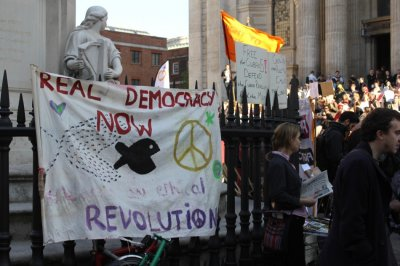 Occupy London UK Police Search St. Pauls Camp Site for Fire-Arms