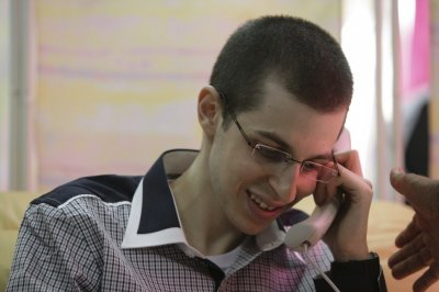 Gilad Shalit speaking to his family on the telephone