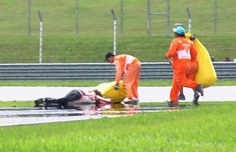 Marco Simoncelli's Dies in Horrific MotoGP Crash [VIDEO]