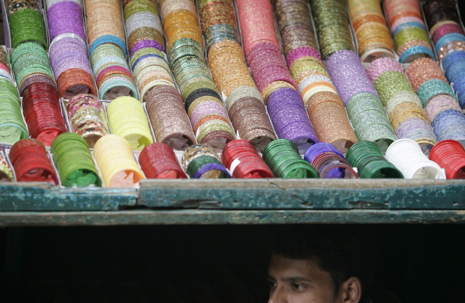 Festive Season Across the World: Halloween in the U.S. and Diwali 2011, Festival of Lights in India [Breathtaking Diwali PHOTOS]