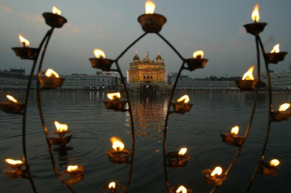 Festive Season Across the World Diwali 2011, Festival of Lights in India Breathtaking Diwali PHOTOS