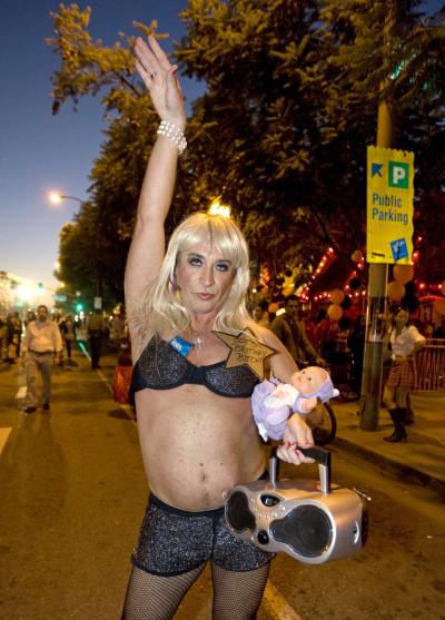Top 10 Craziest Halloween Cross-Dressing Costume Ideas PHOTOS