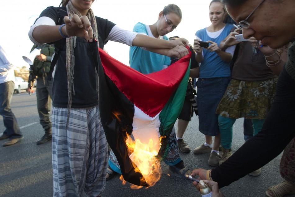 Israel accelerates settlements