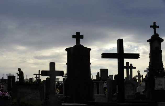 Grave robber kept 29 bodies at home