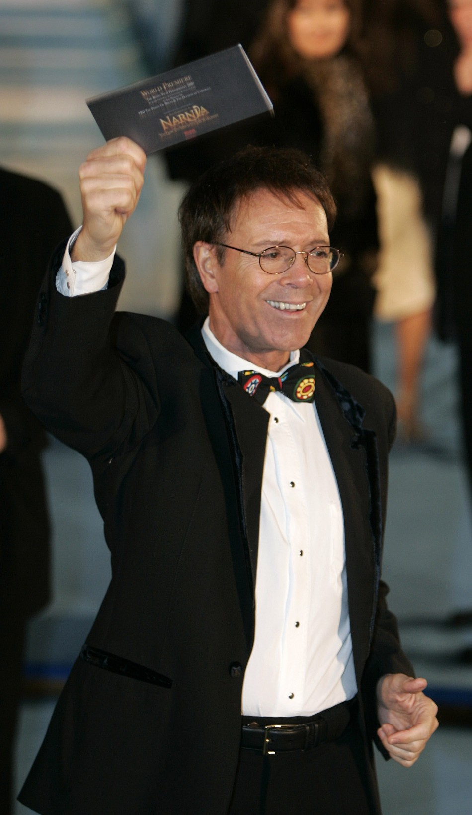 Veteran singer Sir Cliff Richard will sing with the Royal Air Force 'Squadronaires', one of the UK's finest big bands.