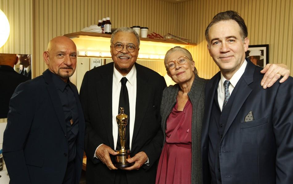 Vanessa Redgrave with Oscar recipient James Earl Jones