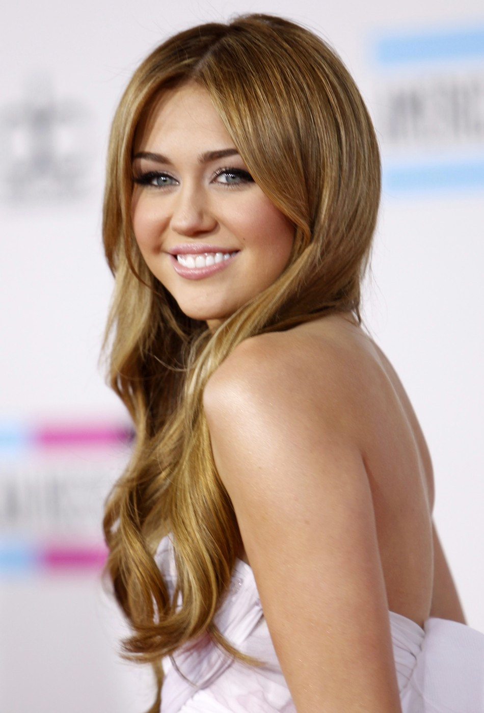 Miley Cyrus Hair Transformation