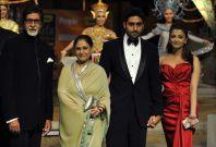 Bollywood actors Amitabh Bachchan, his wife Jaya Bachchan, son Abhishek Bachchan and his wife Aishwarya Rai Bachchan arrive the 9th IIFA awards in Bangkok in 2008