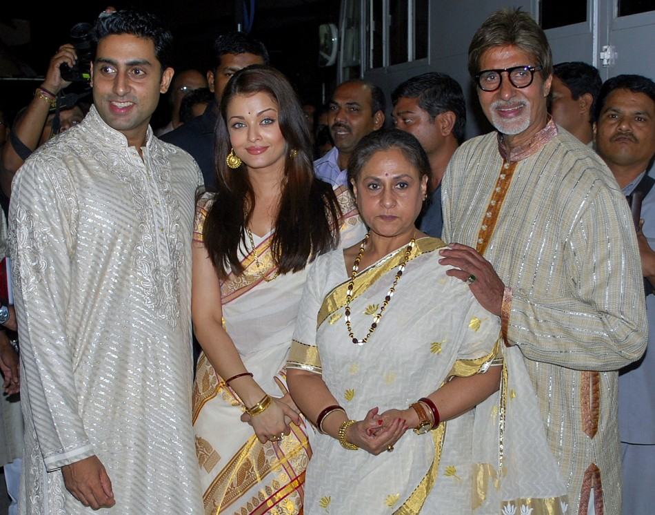 Bollywood actors Amitabh, Jaya, Aishwarya and Abhishek pose in Mumbai