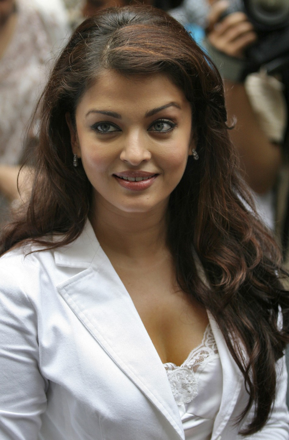 Aishwarya rai photos after her delivery Jumaani - Best Astro Numerology Services in