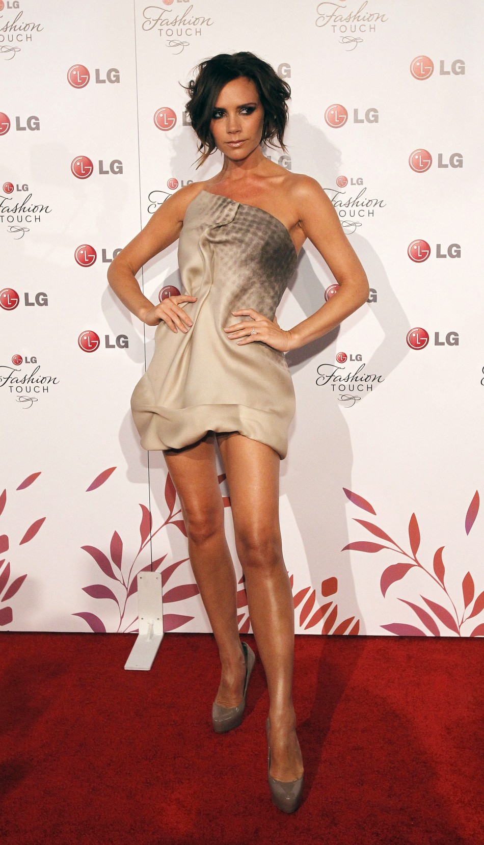 Victoria Beckhams Top Fashion Moments Through the Years
