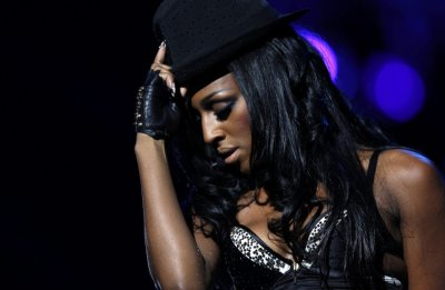 Top 10 British Singers in Class of 2011 - Alexandra Burke