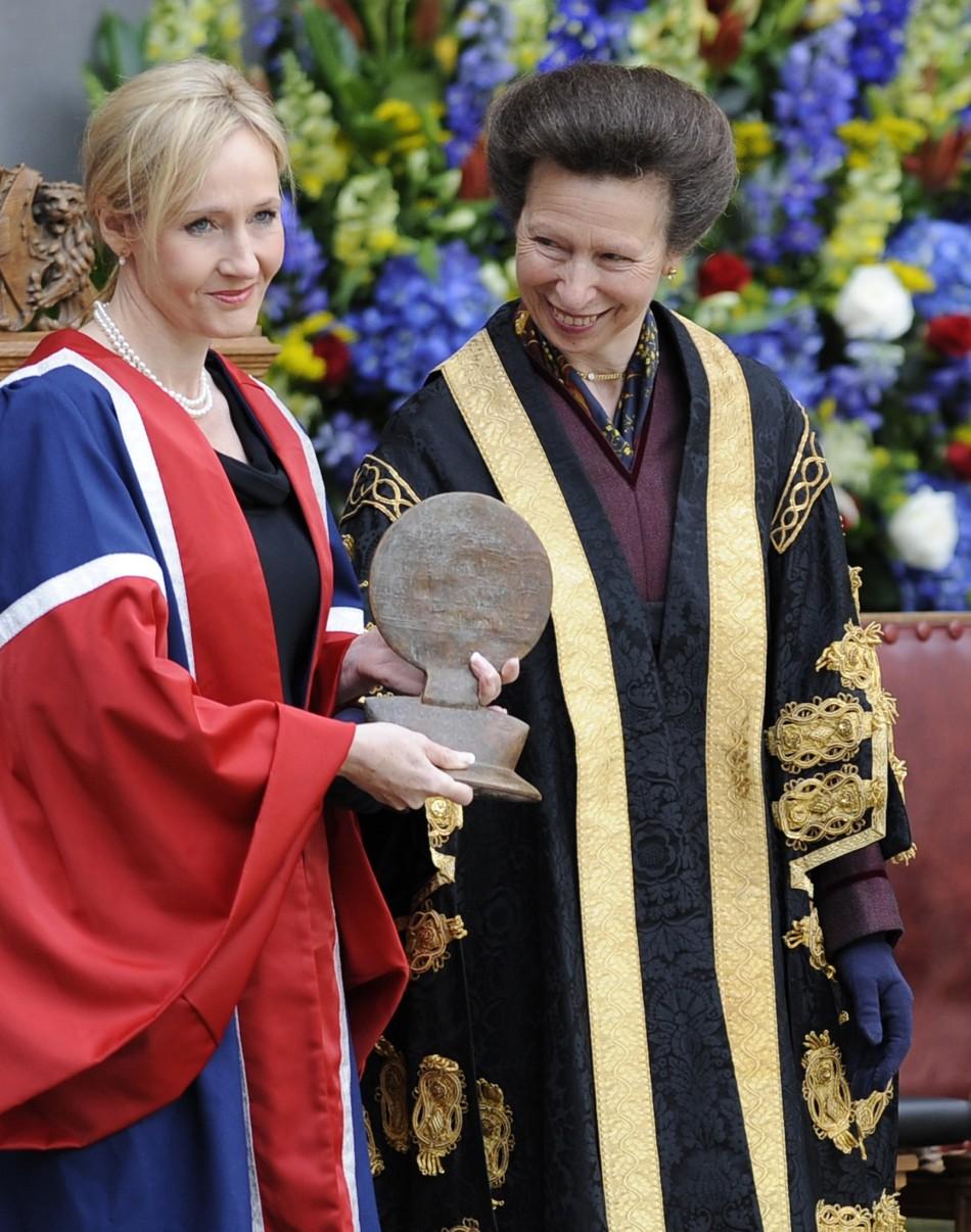 JK Rowling holds a University Benefactor's award