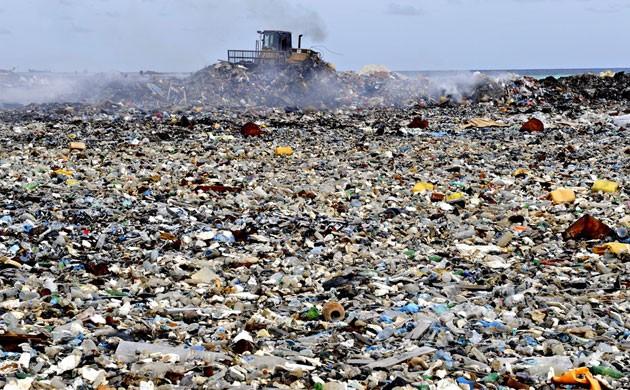 Maldives 39 rubbish island 39 overflowing for Pacifico fish company