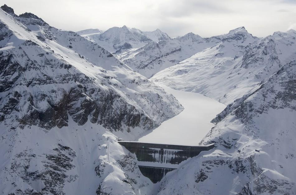 Carbon Has Major Impact On Ice Glacier