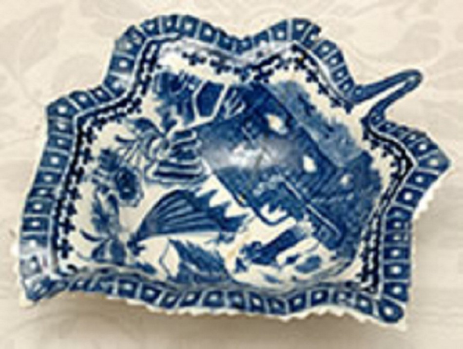 Caughley Leaf-Shaped Dish - 'Fisherman' Pattern of about 1780 - 1790