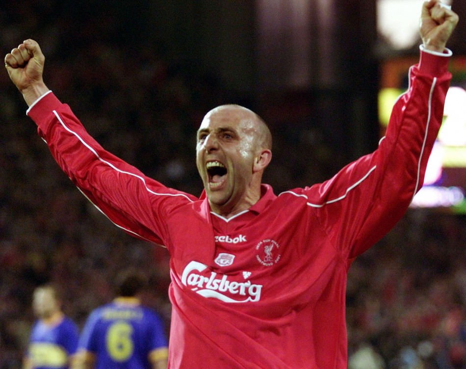 Liverpool's Gary McAllister celebrates scoring a penalty against Deportivo Alaves during the UEFA Cup final