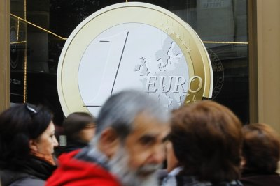 EU declares extended bank holiday during 2012