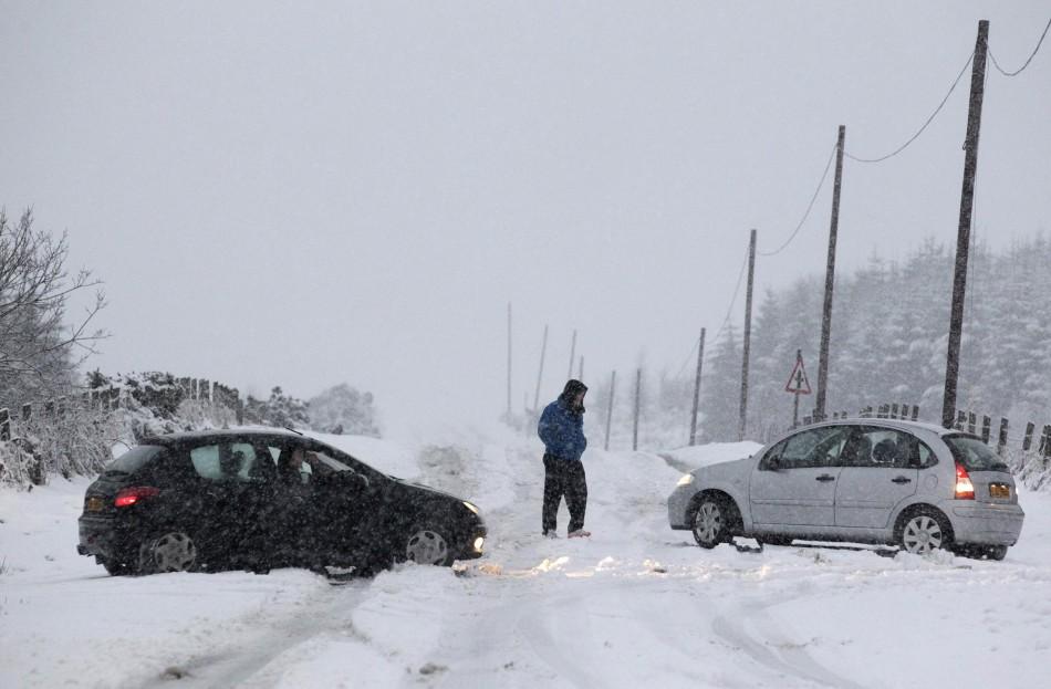 UK Freezes as Temperature Falls Down