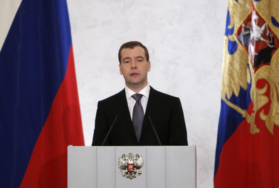 Medvedev warns agaisnt 'extremists'