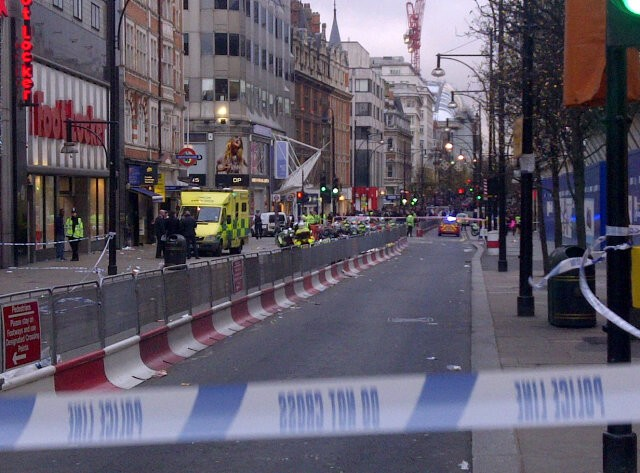 scene of stabbing at Oxford Street by twitter user Laura Pitel