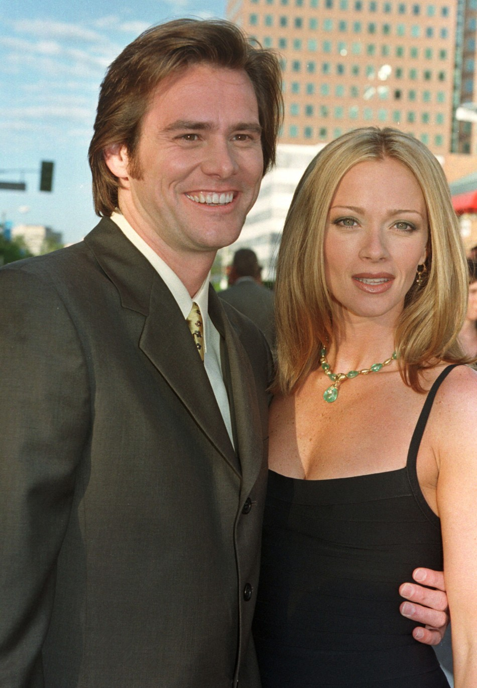 Jim Carrey started dating his Dumb and Dumber co-star Lauren Holly in 1994 before tying the knot on 23 September, 1996. The marriage did not last and they divorced a year later.
