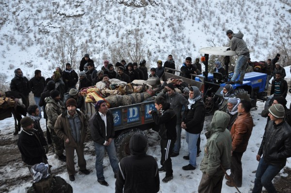 Turkey's air force has killed at least 20 people in raids against suspected Kurdish rebel targets.(Amed Dcle)