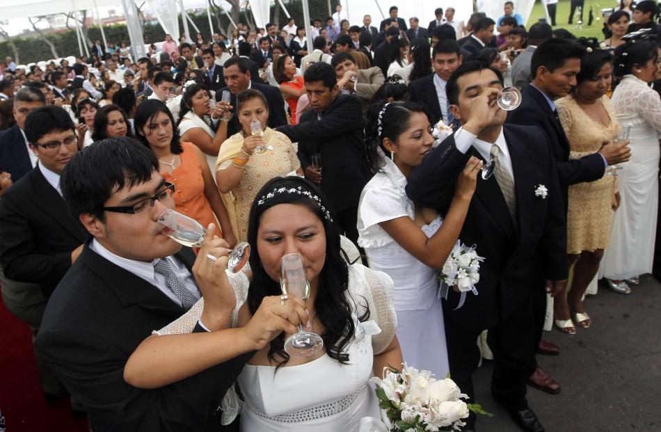 Perus Mass Wedding