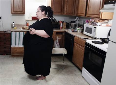 Men paid $19/Month to Watch 600 Pound Donna Simpson Eat