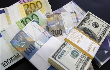 Euro/dollar likely to extend multi-month lows