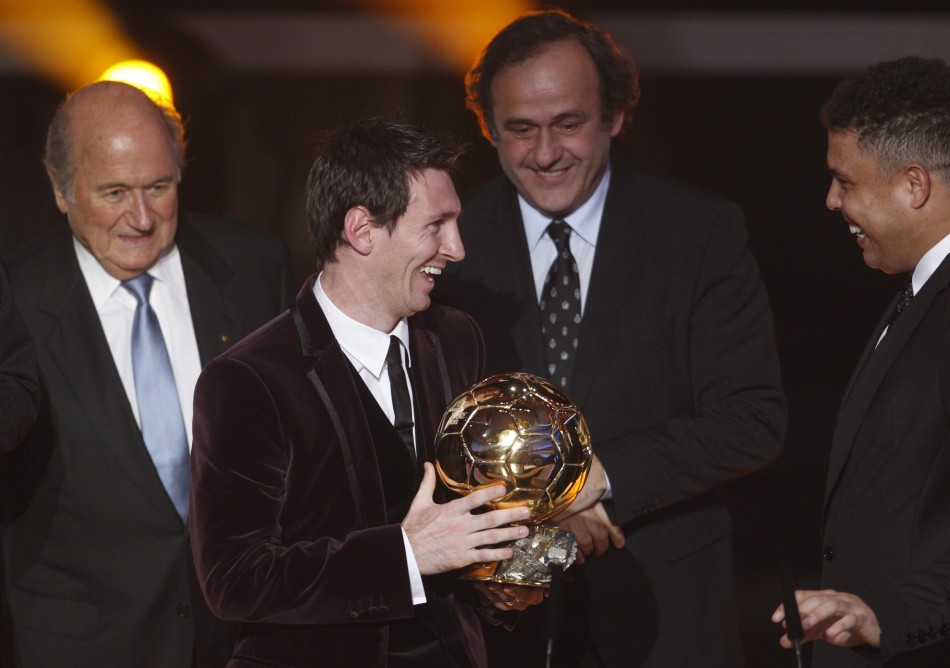 Messi accepts Player of the Year award