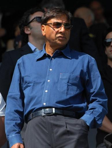 10. Lakshmi Niwas Mittal