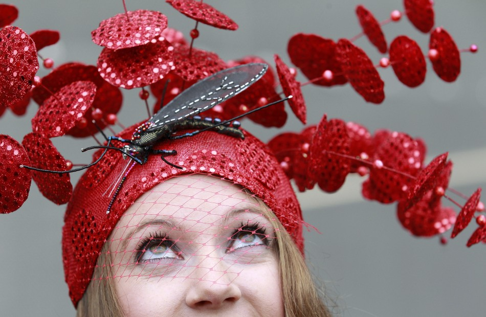 Royal Ascot advice about fashion, tightens dress code for 2012
