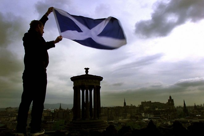 The English are in favour of Scottish independence