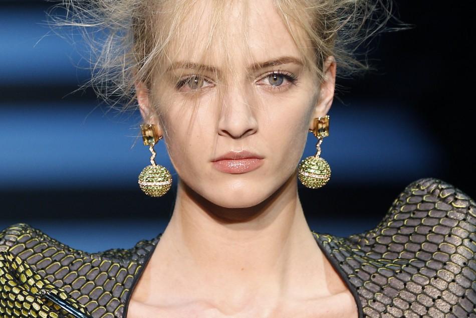 Armani Priv Haute Couture 2012