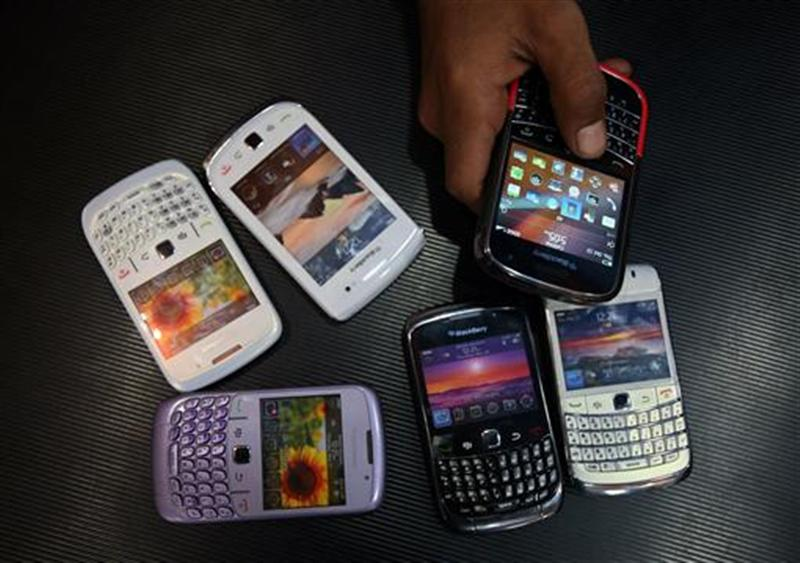 A new 2012 International Communications and Market Report has revealed that Australians have been ranked as the highest in the world when it comes to emptying wallets for phone and internet usage spending.