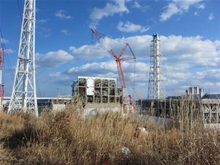 The crippled Fukushima Daiichi nuclear power plant's No.4 reactor building is seen in Fukushima prefecture, in this handout picture taken on January 14, 2012.