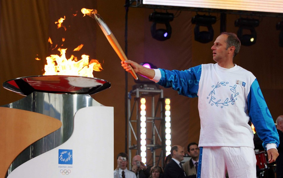 London 2012 Organising Committee Offers Authentic Olympic Torches in Auction