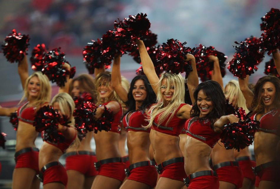 The Rams Cheerleaders will perform at Superbash
