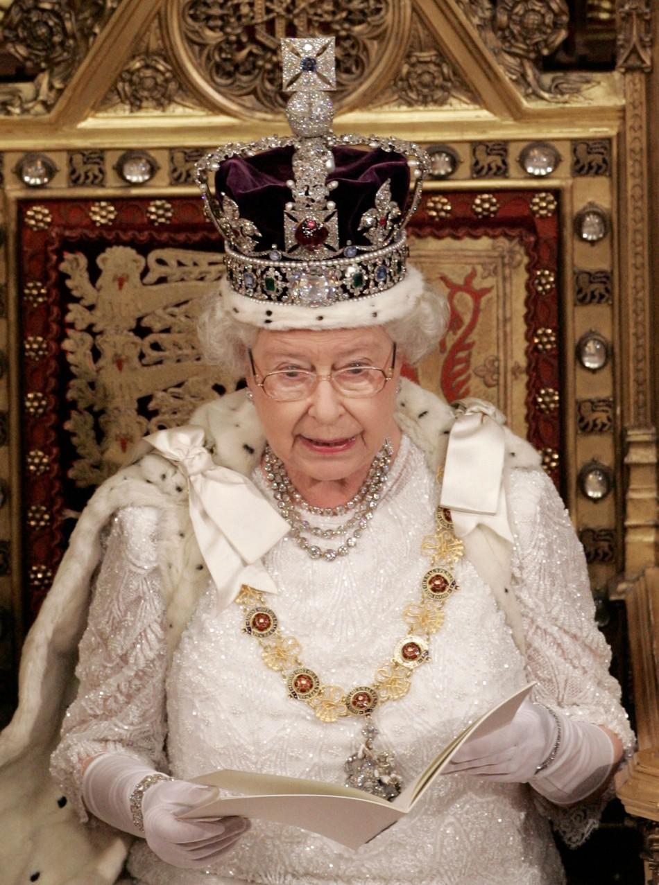 Queen Elizabeth Renews Pledge on 60th Anniversary
