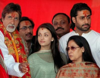 Abhishek Bachchan with family