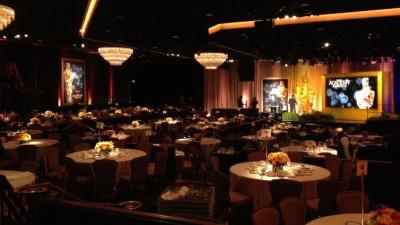 Oscars 2012 red carpet weirdness
